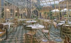 Risultati immagini per coperture in vetro per piccoli cortili uso ristorante