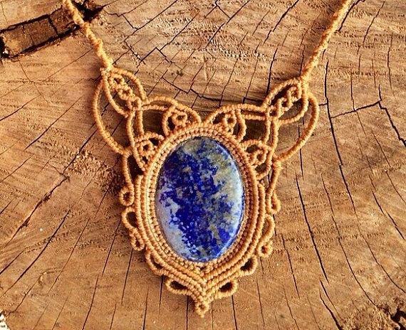 Lapiz Lazuli Necklace, bohemian jewelry. Collar de macrame con lapislázuli. Gypsy art