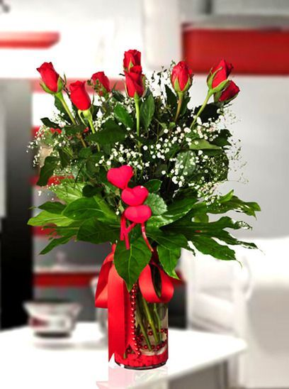 Akçaabat Çiçekçileri arasında sınırsız ve kusursuz hizmet vererek bu günlere gelmiş bulunmaktayız.  Sitemiz ile birlikte artık her an ulaşabilecek şekilde sadece bir tık uzağınızdayız. 7/24 online sipariş vererek sevdiklerinizi mutlu etmeye veya evinizi daha da güzelleştirmeye ne dersiniz?  Bunun için yorulmanıza gerek yok, Akçaabat Çiçekçi sitemizi ziyaret etmeniz, bu dileklerinizi gerçekleştirmeniz için yeterli olacaktır.