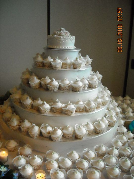homemade wedding cake cupcakes 23 best images about wedding cupcake display on 15279