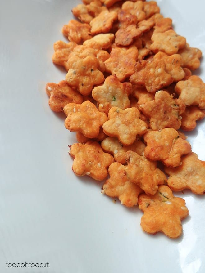 Ricette Verdure Nascoste.Homemade Cheese And Veggie Crackers Healthy Snack For Kids Ricetta Ricette Spuntini Vegetariani Spuntini Salutari