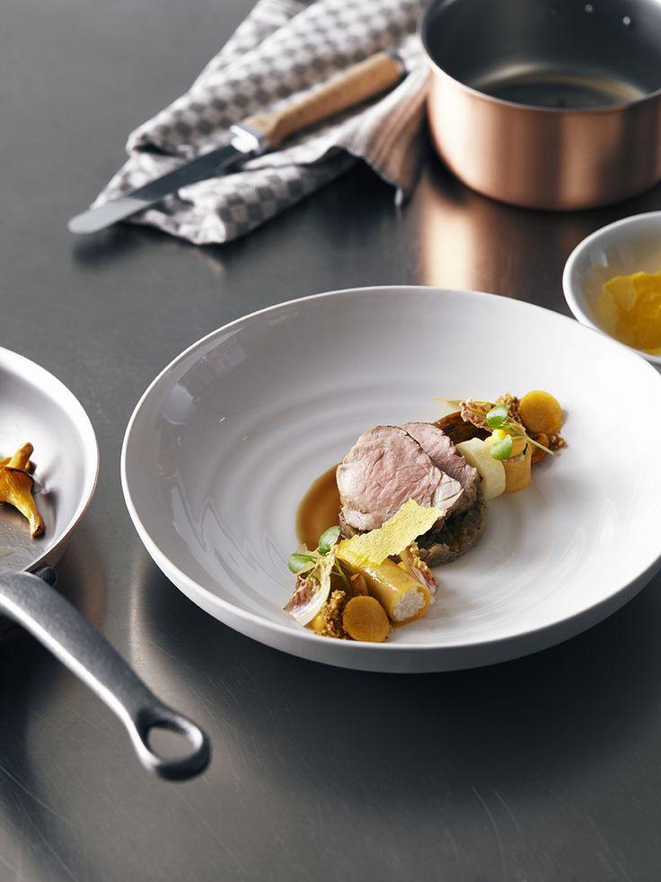 Een overheerlijke varkensfilet met witloof, spelt en pompoen, die maak je met dit recept. Smakelijk!