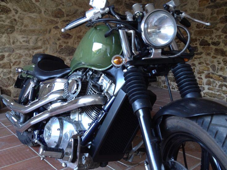 Honda Shadow VT 1100 C Bobber Cafe Racer Custom