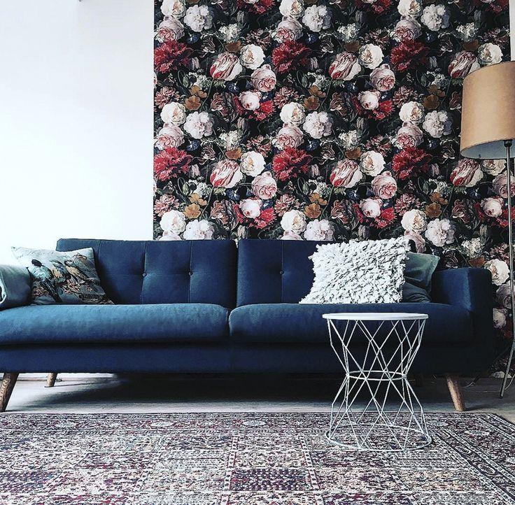 Conrad Zuhause bei @benno61 #danishdesign #furniture #scandinaviandesign #interiordesign #furnituredesign #nordicinspiration #retrostyle #blue #Sofa #velours #Samt