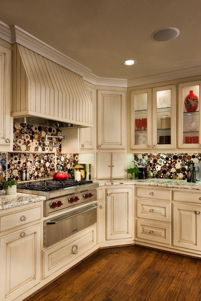 Cream Crown Molding Kitchens