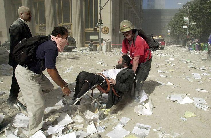 20130227004 - 01.09.11. - WTC_szeptember 11. - emberek az utcán
