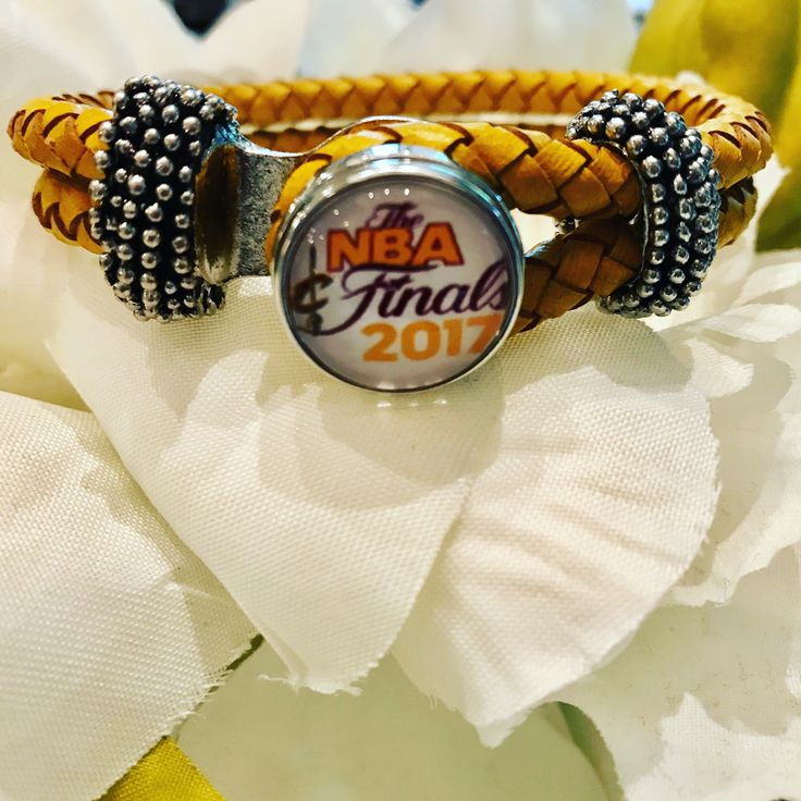 Cavs Finals Snap Bracelet in Gold