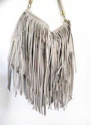 Kaufe meinen Artikel bei #Kleiderkreisel http://www.kleiderkreisel.de/damentaschen/handtaschen/137101582-hm-fransentasche-umhangetasche-mit-fransen
