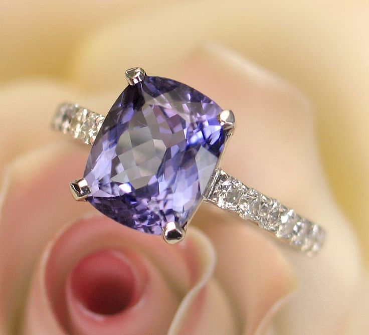 GLORIOUS Indigo-Purple Tanzanite & Diamond Ring