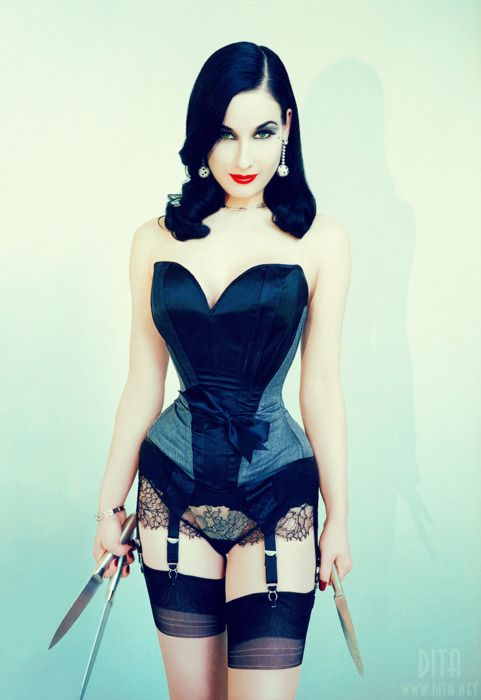 Dita Von Teese, Beautiful but deadly. Original: Pin-Up Post: Daily Modern Pin-Up Rockabilly Girls