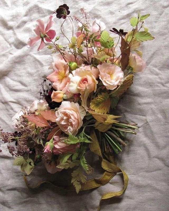 There is a photo of my demo bouquet I'm dying to post but @lucytheflowerhunter…