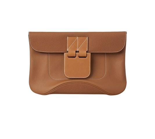 Virevolte Hermes Clutch in Swift calfskin, Hunter cowhide and Clemence bull calfskin, counterweight fastening mechanism. Hand carry. Dimensions: L 35 x H 23 x