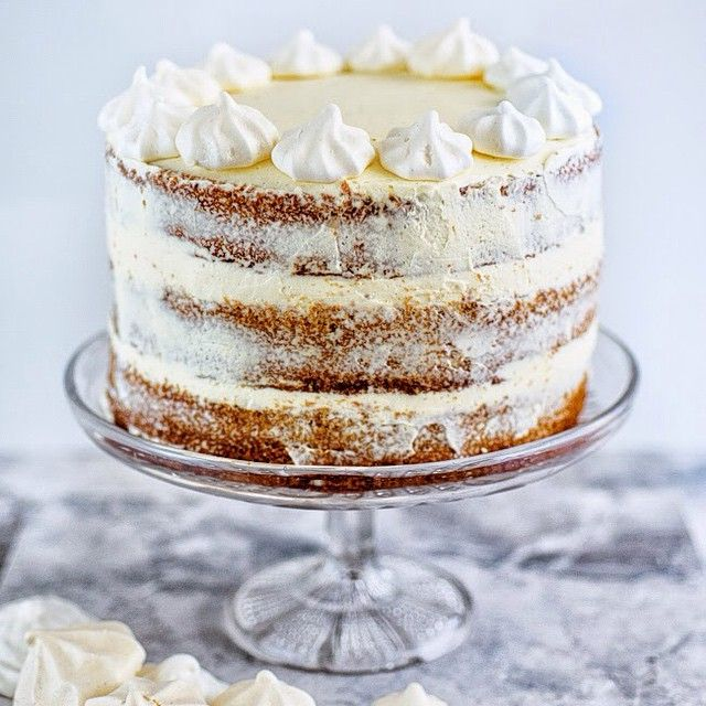 Gingerbread Layer Cake With Cinnamon Cream Cheese Icing via @feedfeed on https://thefeedfeed.com/supergolden88/gingerbread-layer-cake-with-cinnamon-cream-cheese-icing
