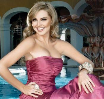 marjorie de sousa bikini 2013 | Marjorie de Sousa podría cambiar de televisora por varios millones de ...
