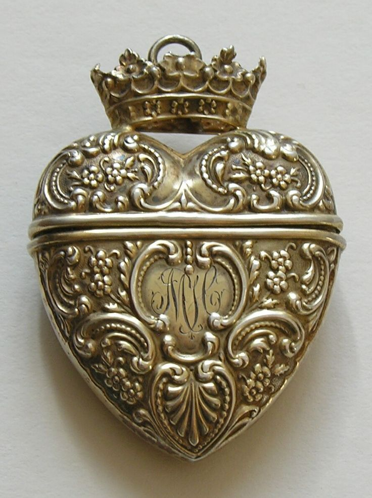 Foster and Bailey Crowned Sterling Heart Chatelaine Needle Case. All this needs is a fleur de lis!