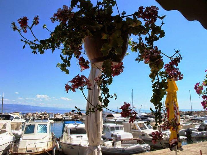 Food with a view. Lučica, Ičići, Croatia