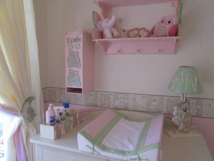 Tatty teddy nursery decor, complements beautifully with white wash cot and compactum. Linen and wall borders available in SA. please send us a mail to orders@borderboutique.co.za for more info and prices.