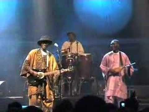 Ali Farka Touré - Amandrai live at Segou Festival - YouTube