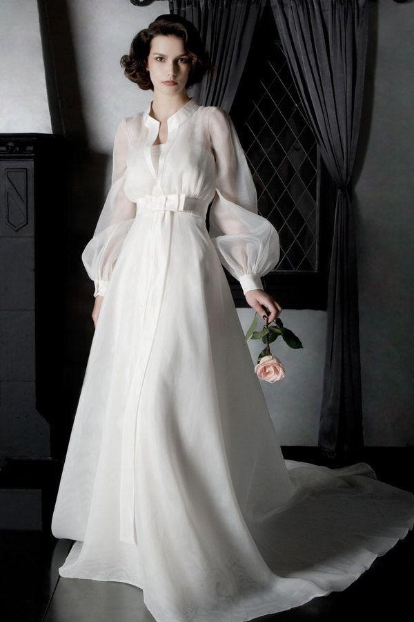 robe de mariage tendance numero 98 et plus encore sur www.robe2mariage.eu  2dd235428a81