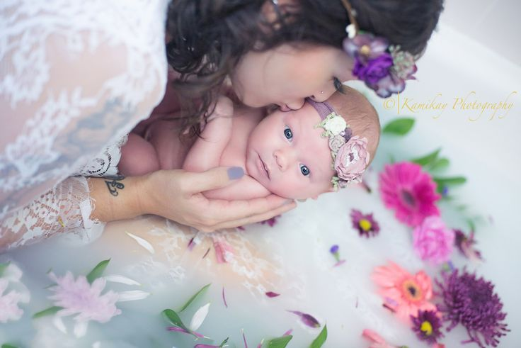 Newborn milkbath, maternity milk bath session Kamikay Photography - Blog