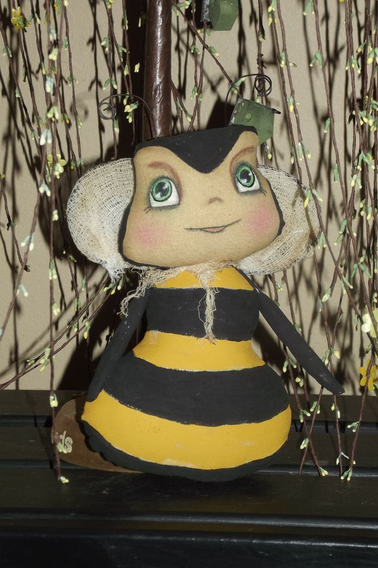 """Primitive Bumble Bee Pattern """"Honey Wee"""" instant download.  (HAFAIR) - pinned by pin4etsy.com"""