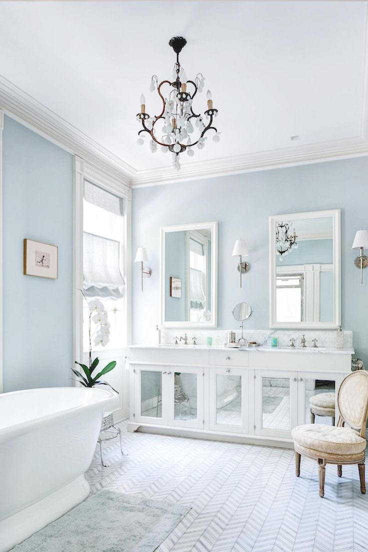 Light blue and white bathroom - 5 Essentials For A Dreamy And Airy Bathroom