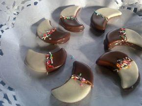 Vánoční cukroví - Fotoalbum - Vánoční domácí cukroví - půměsíčky s marcipánem