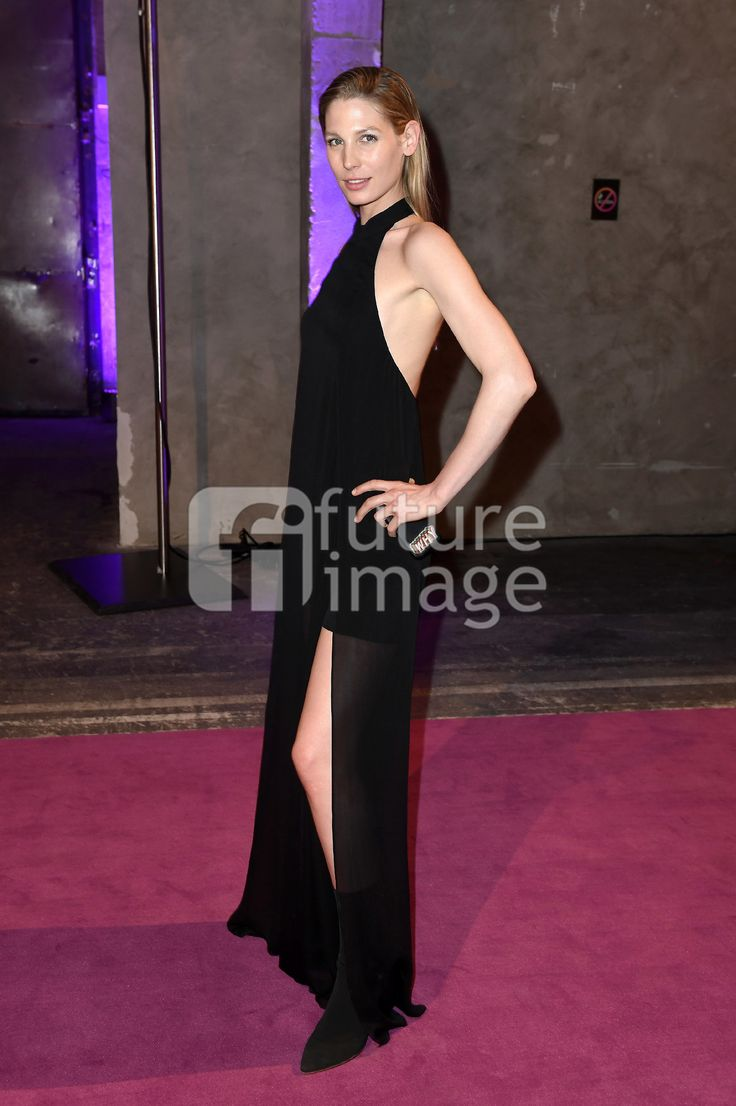 Sarah Brandner during the Duftstars 2017 #model #actress #red #carpet #outfit #black #dress