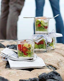 Schichtsalat mit Baconstreifen - Rezepte - [LIVING AT HOME]