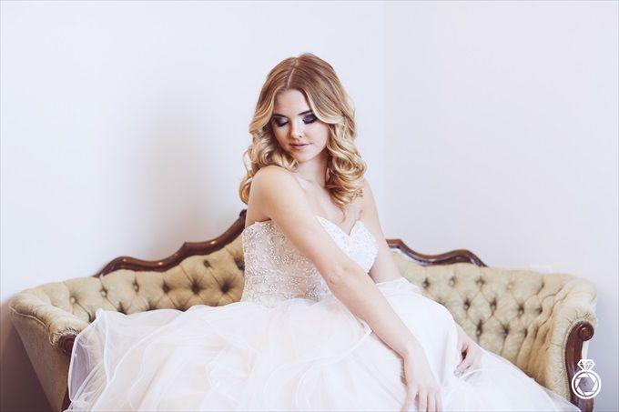 Barn Wedding Inspiration with Modern Flair |  #barn #flair #flowers #inspiration #marcusanthonyphotography #modern #northcarolinaweddingphotographer #TheBarnatRockCreek #TheWeddingDressShoppe #VerzaalsFlorist #wardhairandnailsalon #wedding #wilmington #Wilmingtonweddingphotographer | Barn Wedding Inspiration with Modern Flair | http://emmalinebride.com/real-weddings/barn-wedding-inspiration-with-modern-flair/ | photo by Marcus Anthony Photography - Wilmington Wedding Photographer