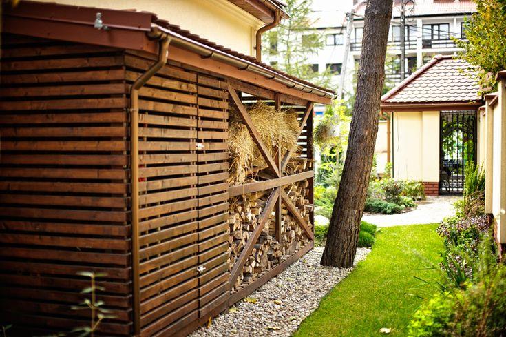 53 drewutnia w ogrodzie