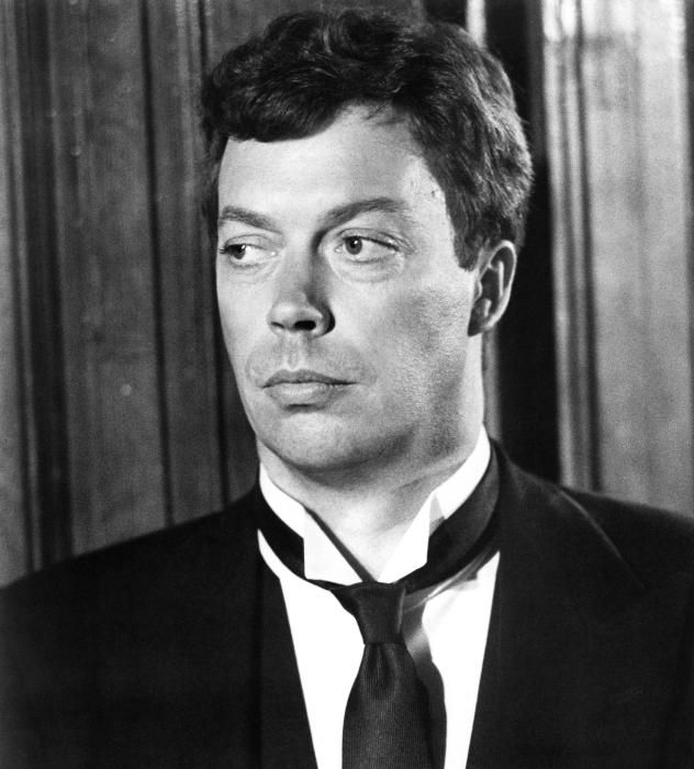 I have this crush on Tim Curry. But I love all his movies. He's just fhjskllaksh. Dig?   ;)