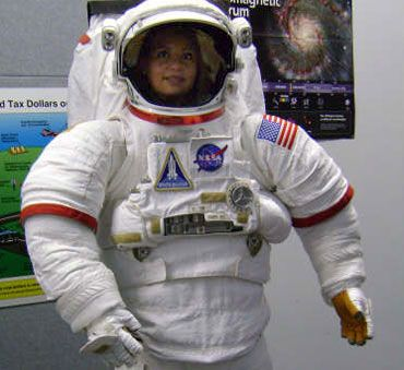Rocio Isla tries on a NASA astronaut suit | Lame Weekend ...
