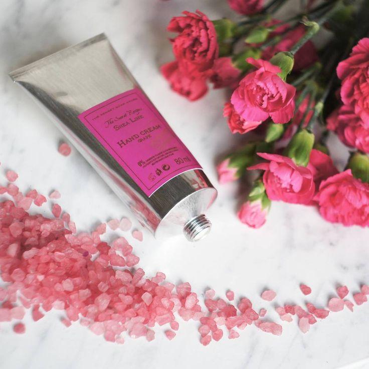 Dzień dobry! Który krem na dziś?😊 #thesecretsoapstore #natural #cosmetics #handcream #sheabutter #natural #cosmetics #flowers #spring #vsco