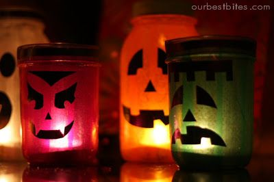 These mason jar lanterns are so fun and festive, perfect for Halloween!