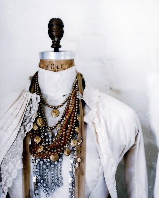 Necklaces, Necklaces: Vintage Home, Jewelry Display, Shabby Chic, Layered Necklaces, Fashion Fall, Vintage Necklaces, Vintage Dresses Form, Bohemian Jewelry, Chunky Necklaces