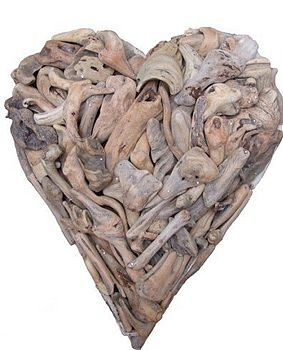 Driftwood Heart  by Karen Miller @ Devon Driftwood Designs Gorgeous and inspiration for the driftwood finds!