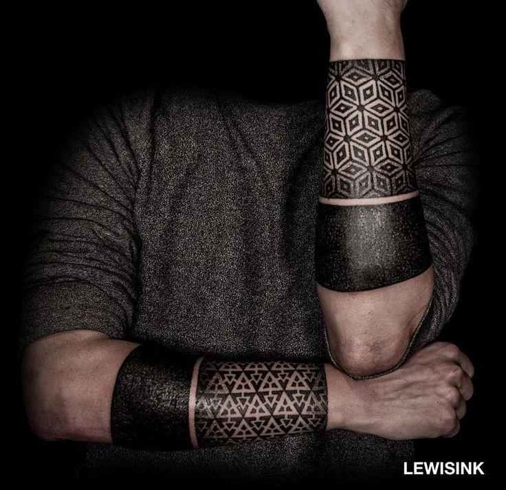 Geometric Patterns & Black Bands