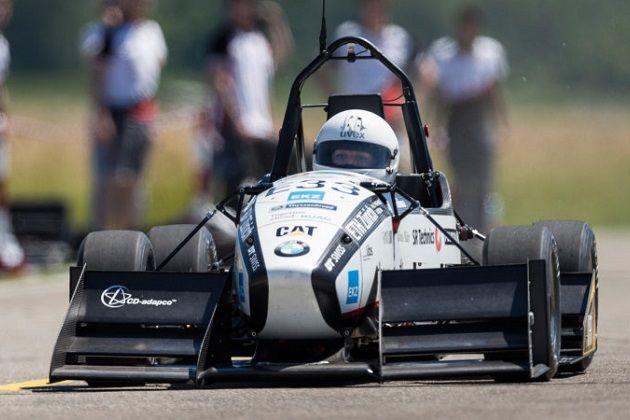 【ビデオ】スイスの学生たちが作り上げた電気自動車が、0-100km/h加速の世界記録を更新!