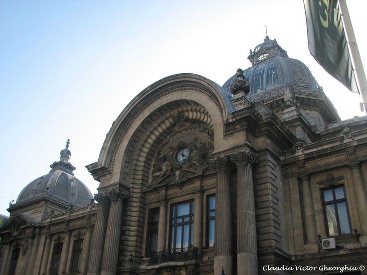 La pas prin galeriile bucurestene: inceput de iulie pe simezele Capitalei. 3 expozitii.