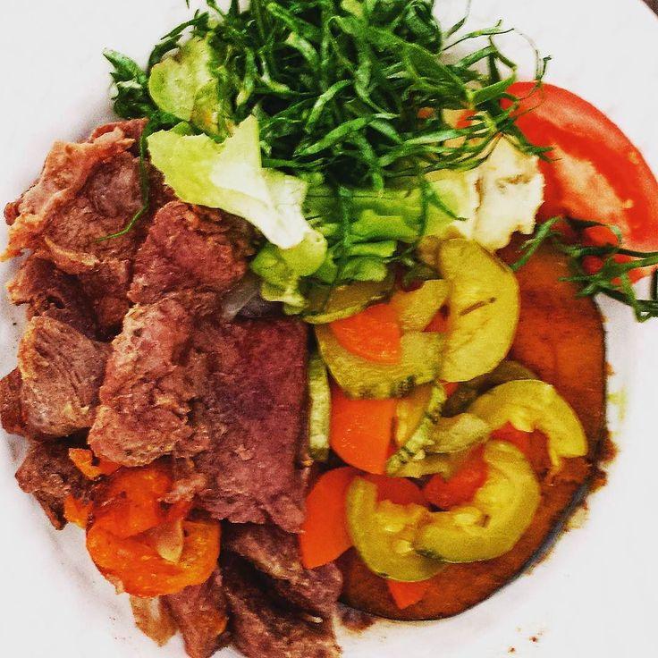 Que delicia de almoço de domingo! Abóbora ao forno carne abobrinha ...