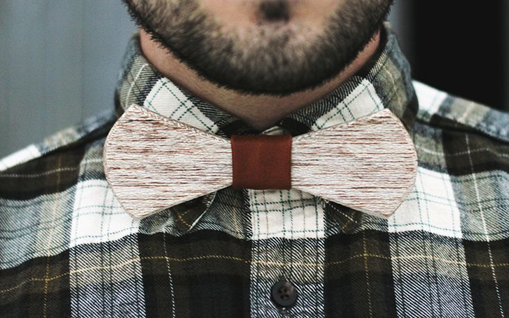 It is always so hard to try to think of handmade Christmas presents for the guys in my life. But today's project is the ultimate gift for a fancy lumberjack... or any guy that wears bow ties. I, un...