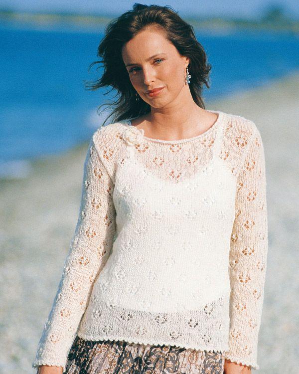 Snygg tunn ulltröja. Gillar den lilla dekorationen.  http://www.knittingroom.se/butik/default.asp?pf_id=SE-112259