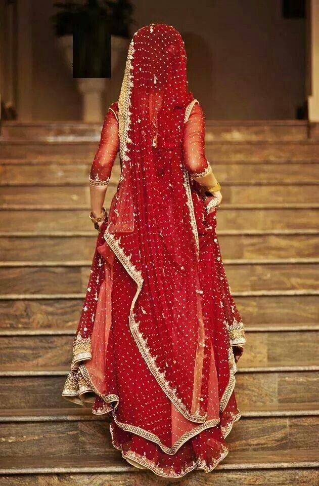 .traditional red Hindu wedding sair
