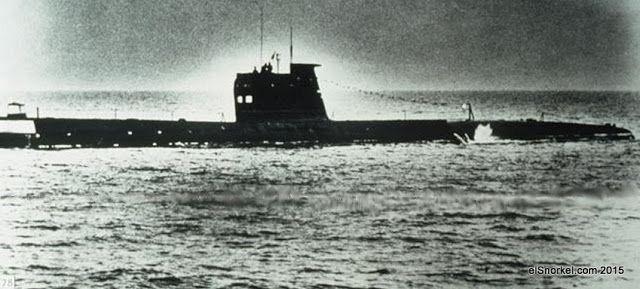 Submarinos de la Clase Romeo y Foxtrot de la Armada sovietica - www.elSnorkel.com   Un total de 74 -79 foxtrots fueron construidos entre 1958-1971 para la armada soviética y otras los países incluyendo la India, Libia, Cuba y Polonia. La URSS comenzó a exportar estos submarinos (con modificaciones I641 e I641K) en los mediados de los años sesenta.