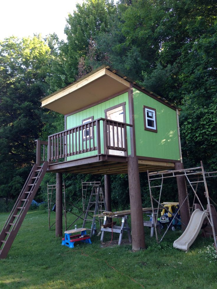 Tree house for my son built standing 8 39 from ground to for Time to build a house