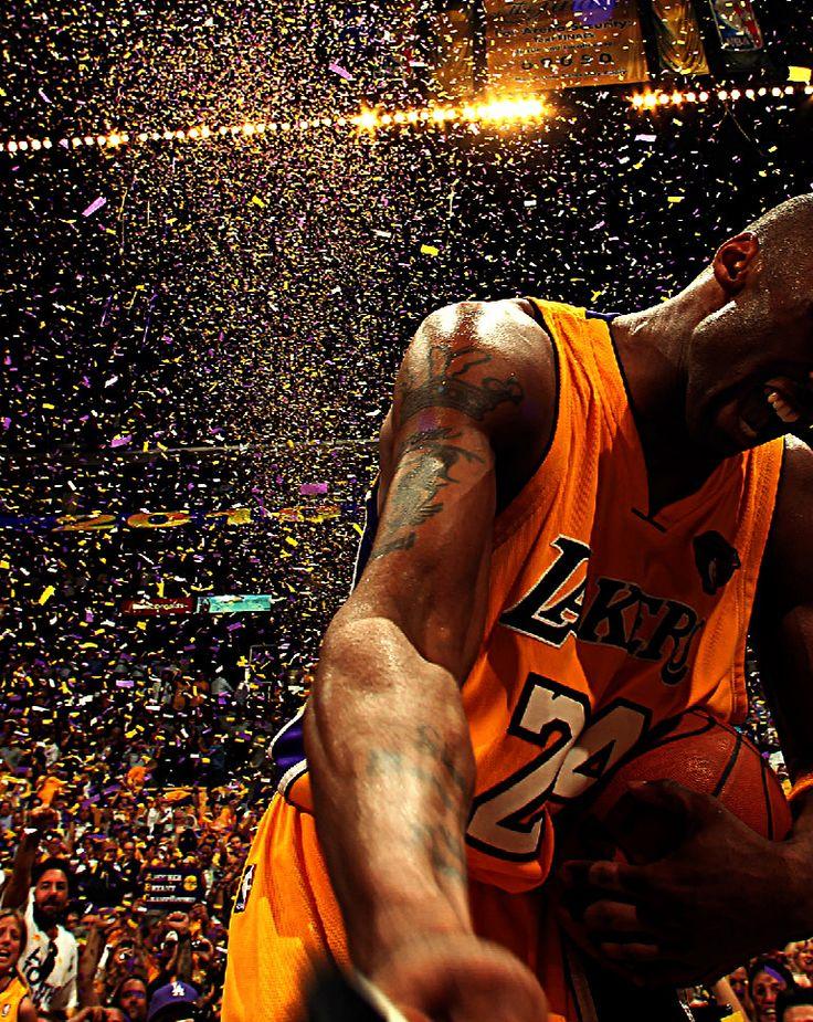 DÉCO ■ BASKETBALL ■ Kobe Bryant fut déclaré joueur NBA de la décennie 2000-2010. Il remporte avec son équipe de coeur les Los Angeles Lakers son cinquième titre en 2010
