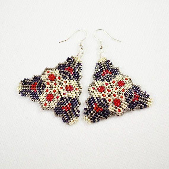 Metallic triangles earrings Woven earrings Sedd beads earrings Purple pink Beads earrings Gift for her Elegant earrings Drop earrings Dangle