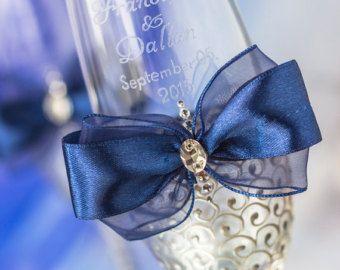 Nautische Hochzeit Braut und Bräutigam Toasten Brille