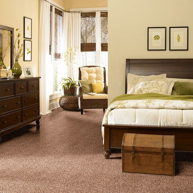 TWIST. Frieze' carpet is chic and comfy in bedrooms.
